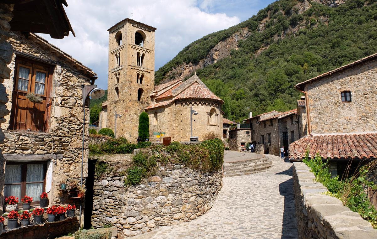 Beget un pueblo de piedra en el pirineo catal n pirineos con ni os - Poio pontevedra que ver ...